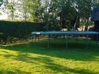 trampoline tuin